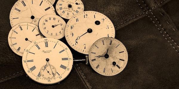 資格合格コラム 宅建士試験はもうすぐ。細切れの時間をかき集め、時間を無駄にしない。