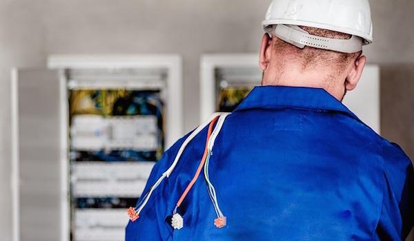 ユーキャンが第一種電気工事士通信講座を新規開講